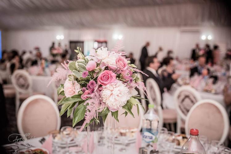 Crown Events Are Oferte Pentru Aranjamente Si Decoratiuni Florale