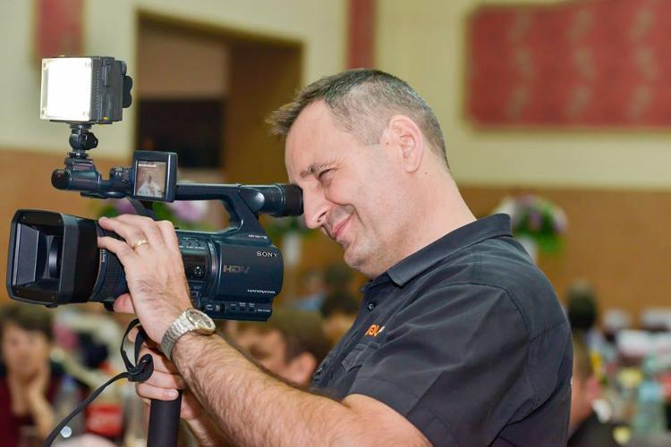 Nova Film Studio Are Oferte Pentru Fotografi Si Videografi Din